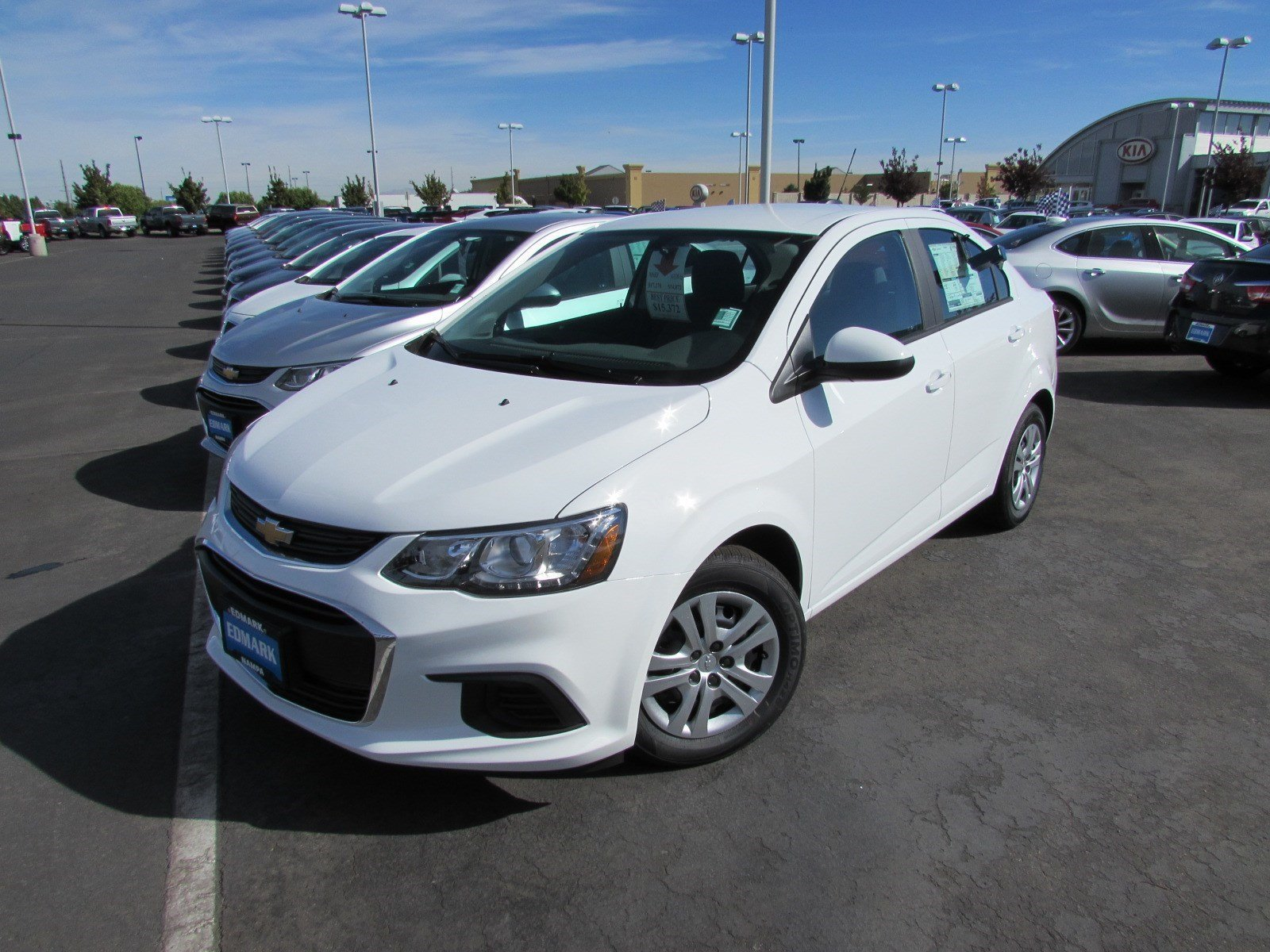 new 2017 chevrolet sonic ls in nampa 170038 kendall at the idaho center auto mall. Black Bedroom Furniture Sets. Home Design Ideas